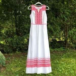 Vineyard Vines Embroidered Maxi Dress (with tags!)
